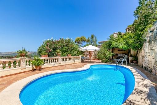 Stor villa med pool och gästlägenhet i Costa de Canyamel