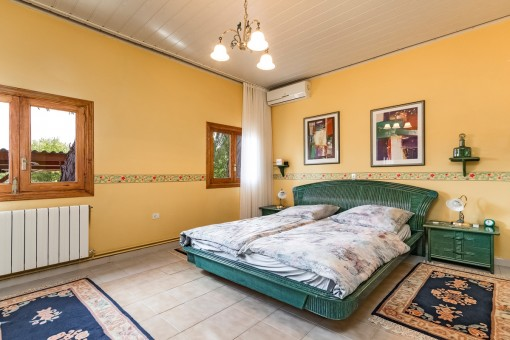 Friendly double bedroom with air conditioning