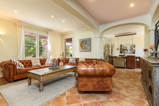 Appealing living area with access to the dining area