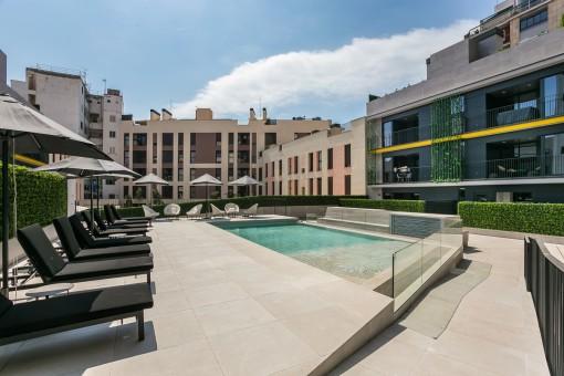 Fantastic communal pool area