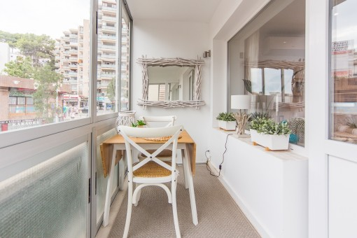 Small dining area on the balcony