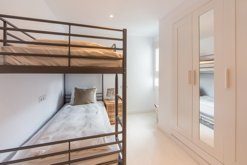 Second bedroom with wardrobe