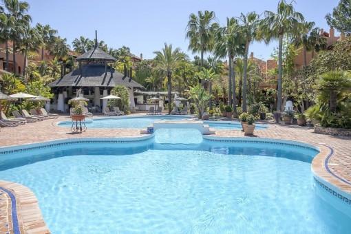 Mycket stor, rymlig och bekväm villa med garage i ett välskött bostadsområde i Santa Ponsa