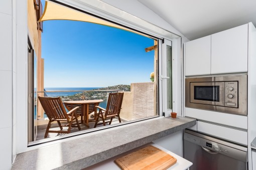 Sea views from the kitchen through a big window