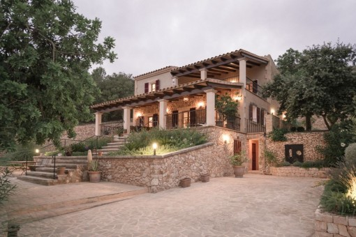 Wonderful, spacious property with superb views of the mountains of San Salvador