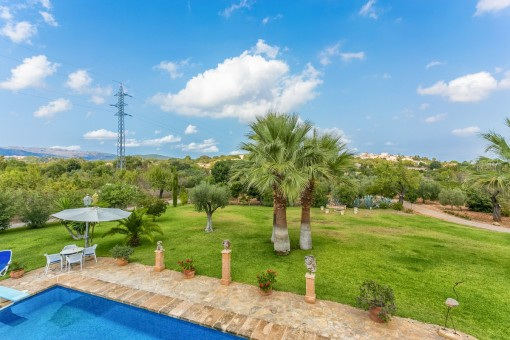 Fantastic views over the large plot of 14,000 sqm