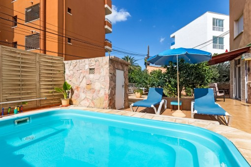 Lägenhet med terrasser i en lugn del av Santa Ponsa nära stranden