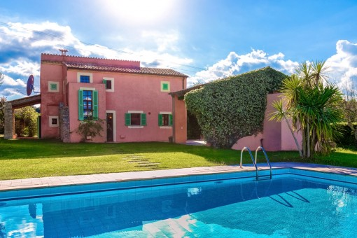 Beautiful finca with neat garden and pool close to Arta
