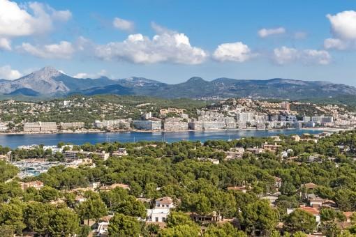 Incredible landscape views as far as the mountains of Calvia