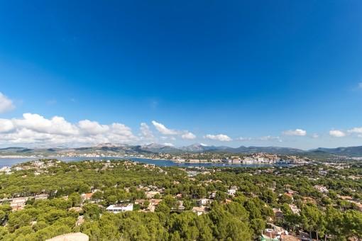 Breathtaking panoramic sea views