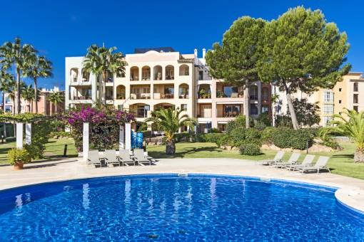 Vacker duplex lägenhet i ett lyxigt bostadsområde i Nova Santa Ponsa