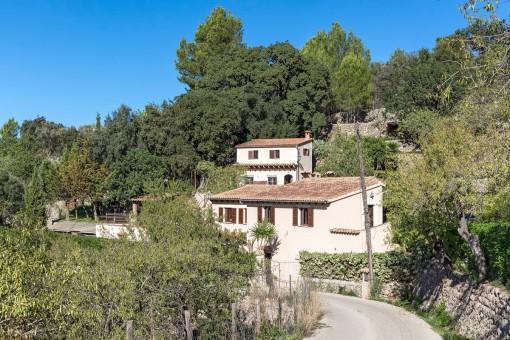 Rustik finca med gästhus, pool och panoramautsikt