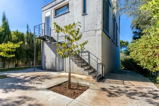 Spektakulärt sommarhus med modern arkitektur i ett lugnt område i Son Serra de Marina