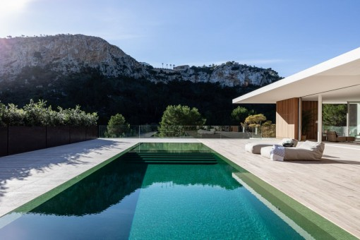 Alternative pool view