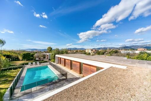 Minimalist-style villa in Sa Planera