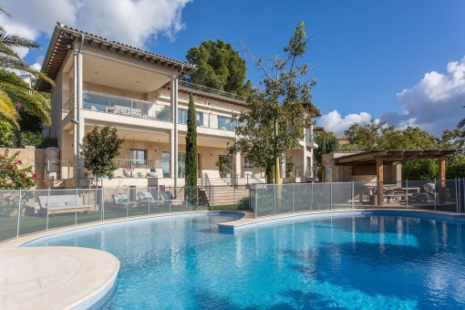 Breathtaking villa in an outstanding location in Portals Nous with sea views