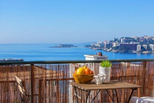 Förtrollande lägenhet med fantastisk havsutsikt i Cala Majo