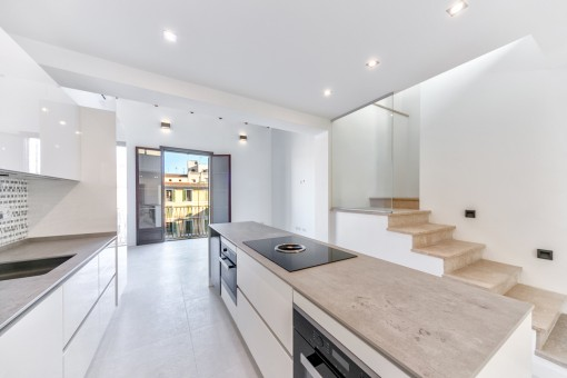 Exclusive maisonette apartment, renovated to a very high quality, on the Plaza Mayor