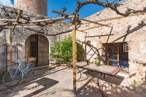 Lovely courtyard to enjoy summer days