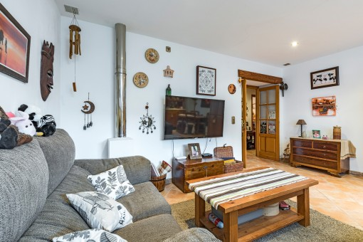 The apartment offers a feel-good ambience