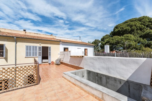 Beautiful town house with large sunny terrace in Port Andratx