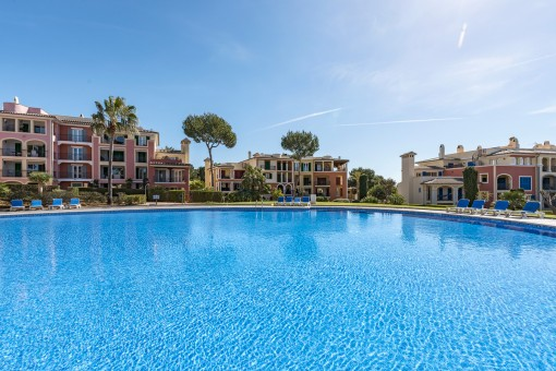 Sunny ground floor apartment in an exclusive complex in Nova Santa Ponsa