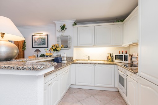 Open and fully equipped kitchen