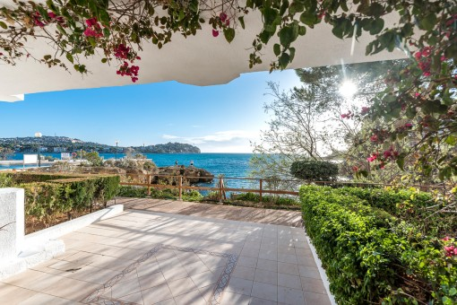 Wonderful apartment on the first sea line in Santa Ponsa
