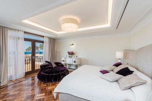 Noble master suite