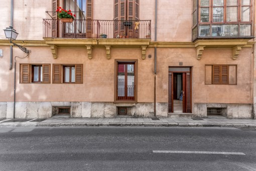 The apartment is situated in a prime old-town location