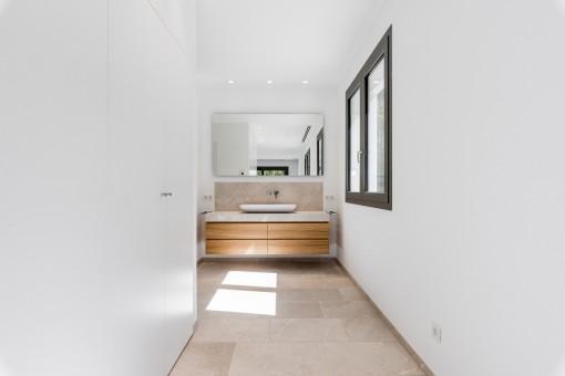 The villa has 4 modern bathrooms