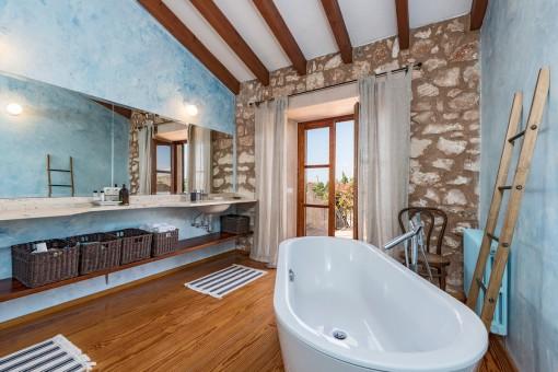 Alternative views of the bathroom