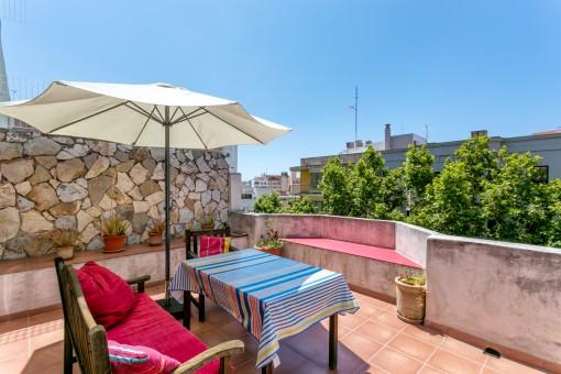 Centralt belägen, ljus stadslägenhet med en härlig terrass i Palma
