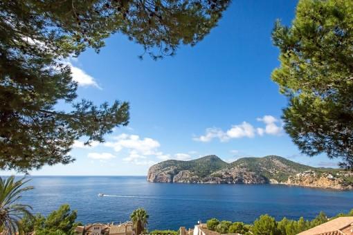Building plot with wonderful views in Camp de Mar