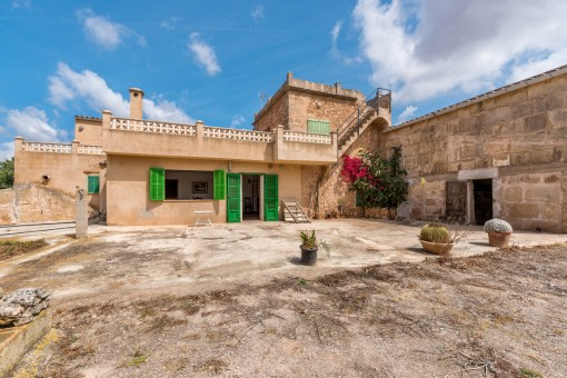 Old Mallorcan property for renovation in Campos
