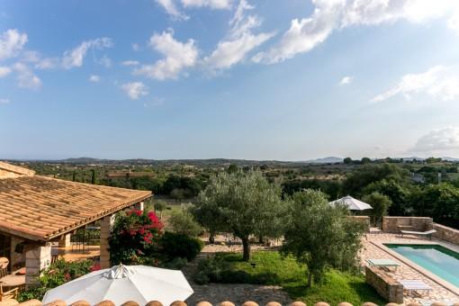 Härlig finca med pool och 26.000 kvm tomt med fantastisk utsikt i San Llorenc