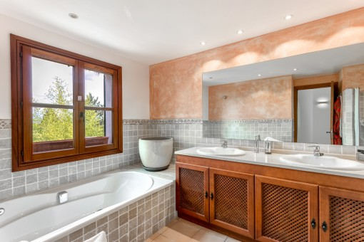 Friendly bathroom with natural light