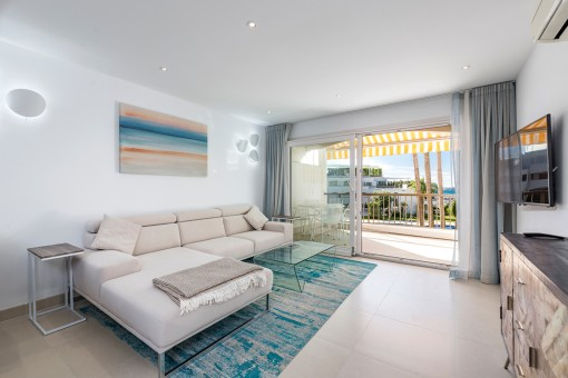 Spacious living area with access to the balcony