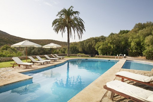 Traditional mallorquin finca with sea views in Capdepera