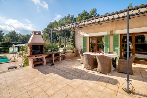 Spacious terrace with barbecue area
