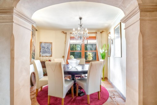 Beautiful and light-flooded dining area