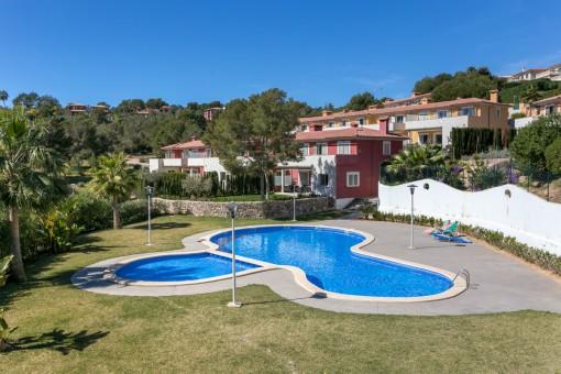 Brand new, wonderful semi-detached west-facing villa in trendy Badia de Palma, Calvià, with sea views