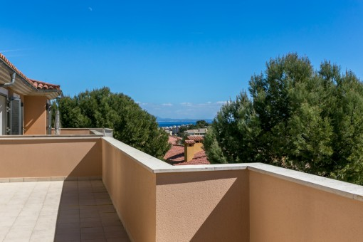 Brand new, wonderful semi-detached villa, south-west facing with sea views in Cala Vinyes