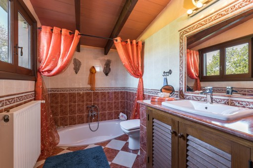 Lovely bathroom with bathtub