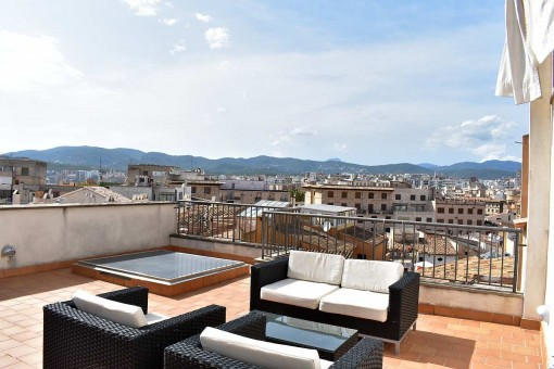 Stylish penthouse maisonette-apartment with a private roof terrace near to Placa Cort in Palma