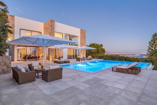 Gorgeous pool area with chill-out lounge