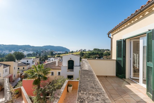 Wonderful semi-detached house with a large terrace in Camp de Mar