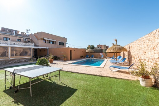 Unique townhouse in Santanyi with large pool area and holiday licence