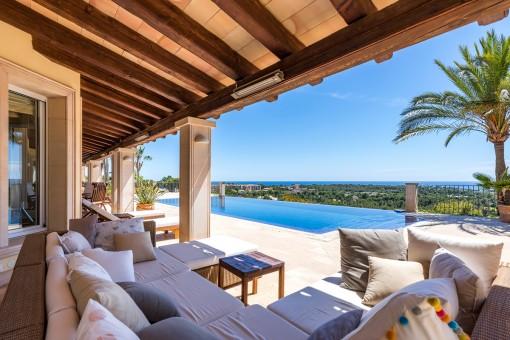 Majestic villa with enchanting sea views in Bendinat