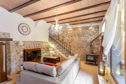 Kärleksfullt restaurerat hus i Selva med pool och underbar utsikt